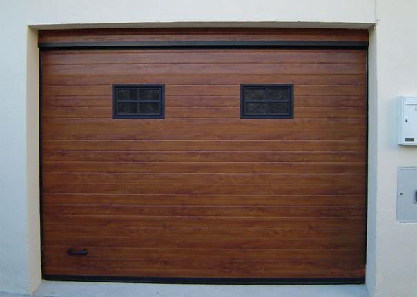 puerta seccional automática para garaje