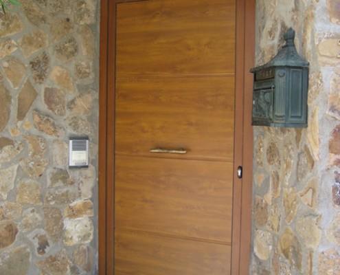 puerta peatonal de panel, imitación madera