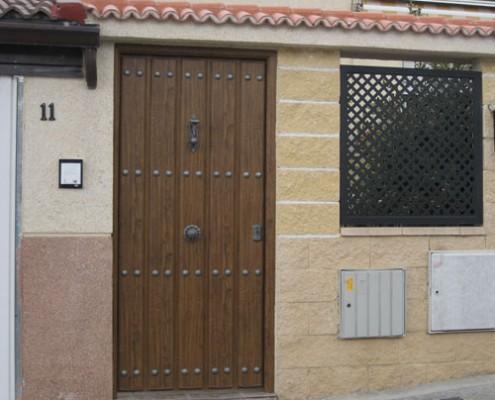 puerta peatonal de panel, estilo rústico