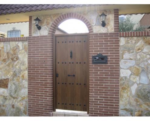 puerta peatonal de panel, rustica