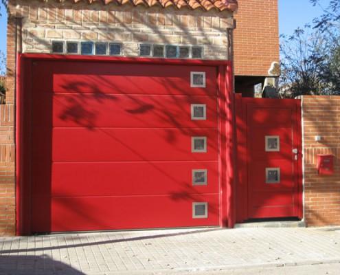 puerta seccional residencial para garaje